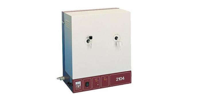 Бидистиллятор GFL-2102: производительность 2 л/час