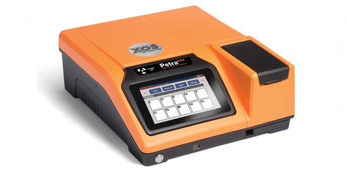 Анализатор содержания серы Petra 4294 и многоэлементный анализатор Petra Max