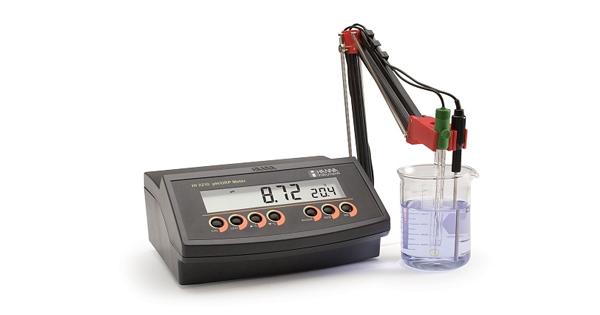HI2210-02 микропроцессорный рН/С-метр с автоматической калибровкой и автотермокомпенсацией