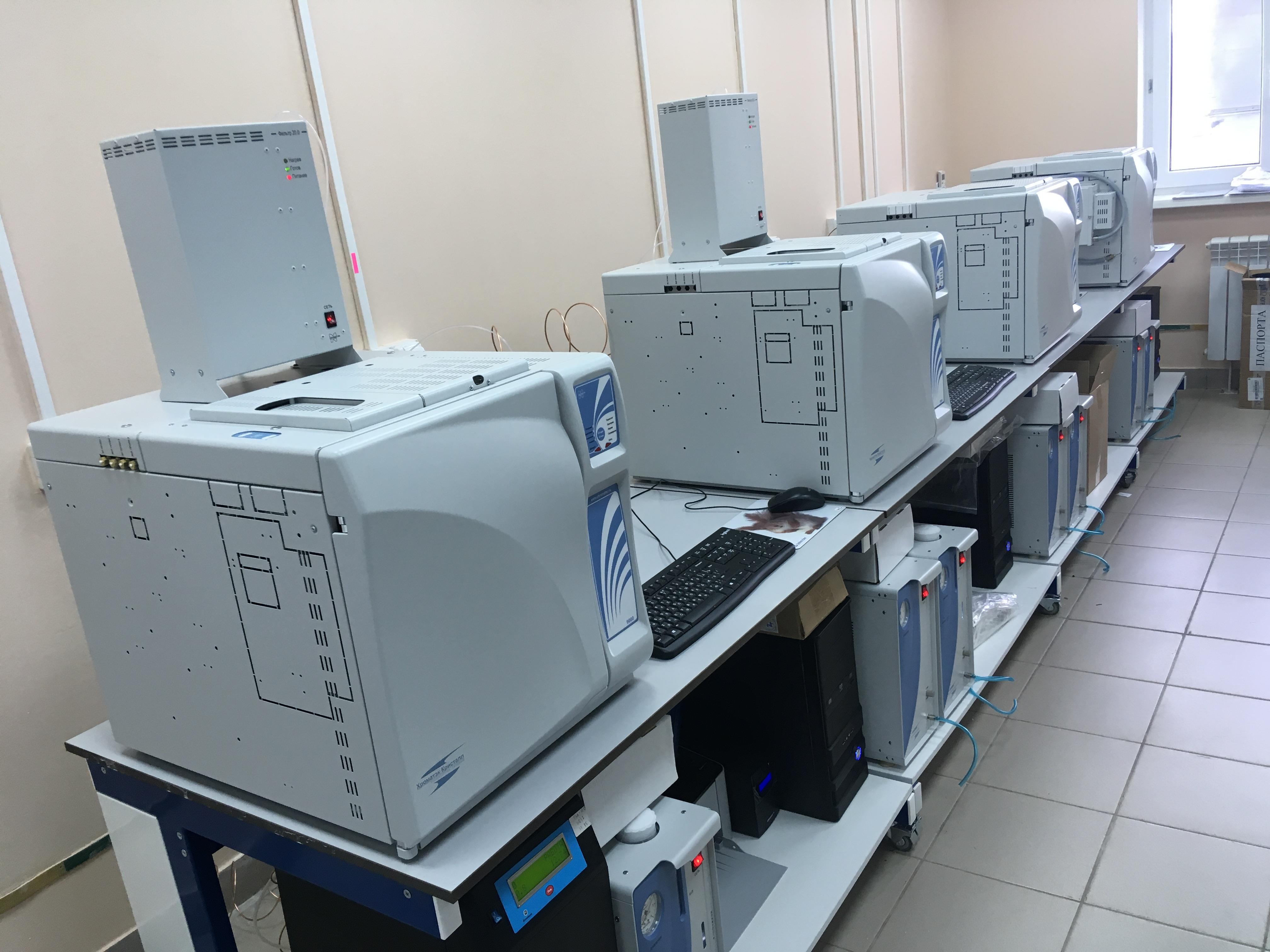 Фото лабораторного хроматограф
